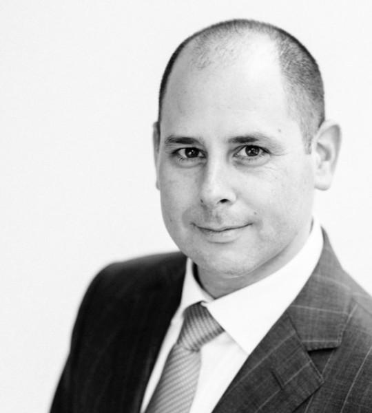 ערן דה פריס, עורך-דין
